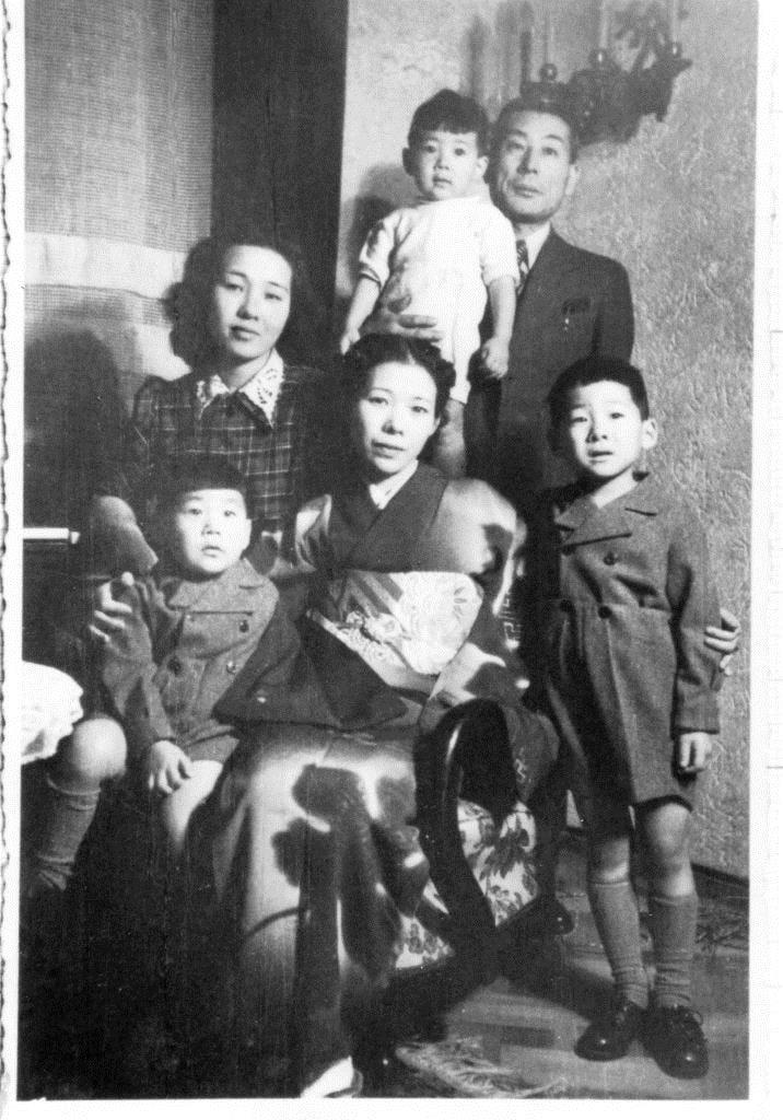 Chiune Sugihara e família