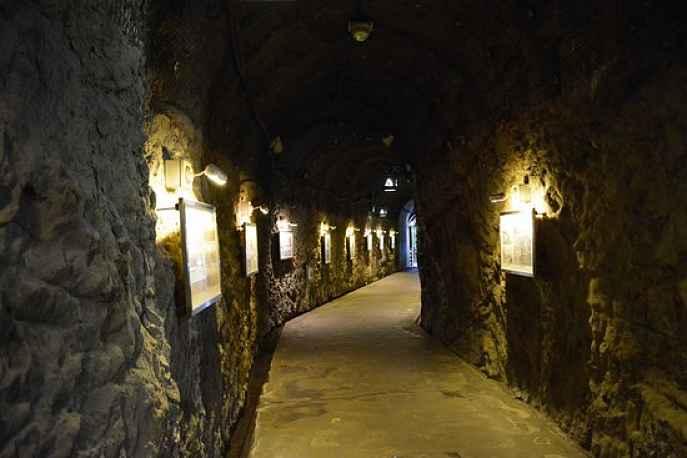 Caverna Iwaya