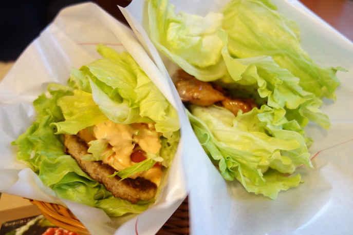 Natsumi MOS burger