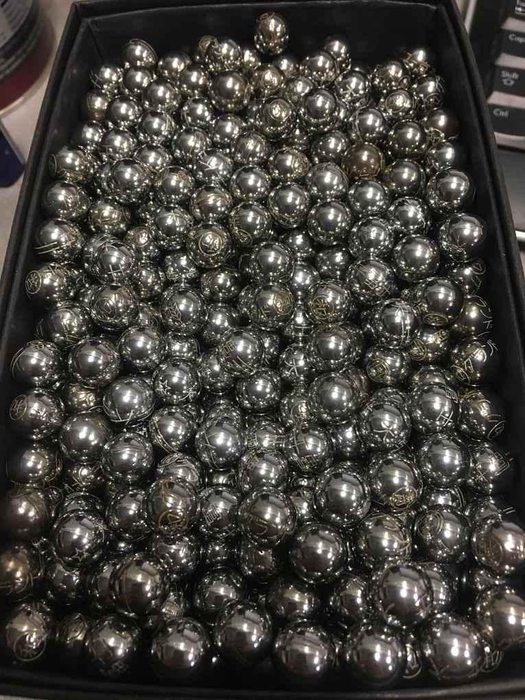 Bolinhas de prata