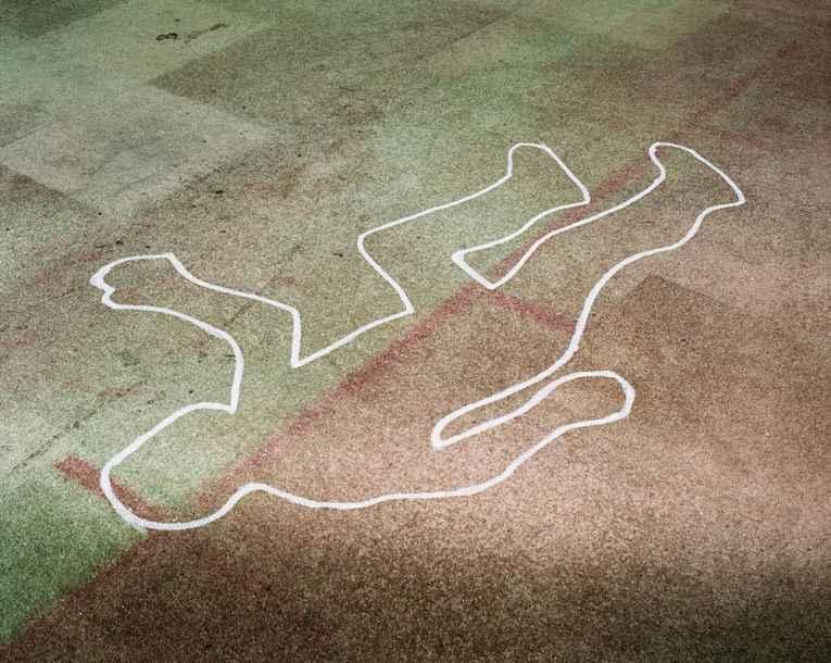 Chão com evidência de morte