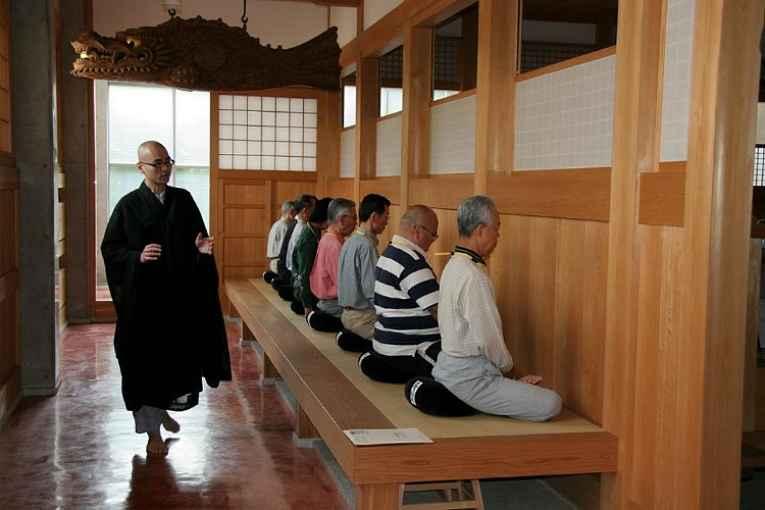 Meditação zen no templo Seishojin