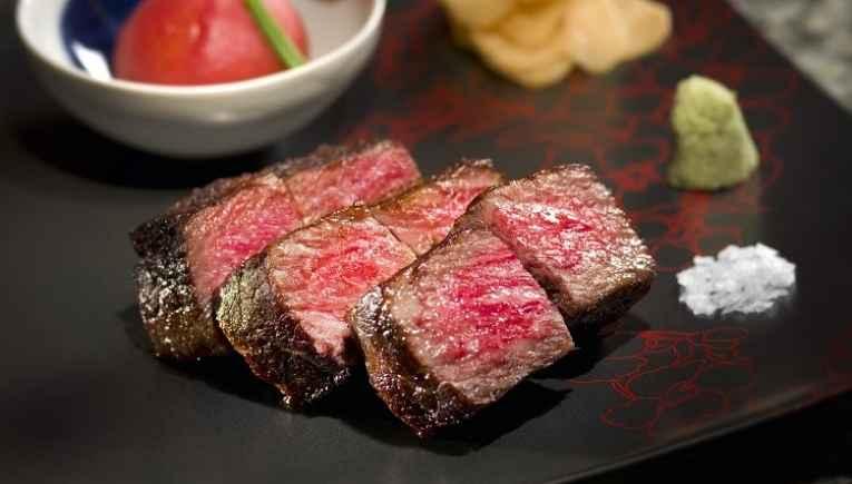 Fatias de carne wagyu