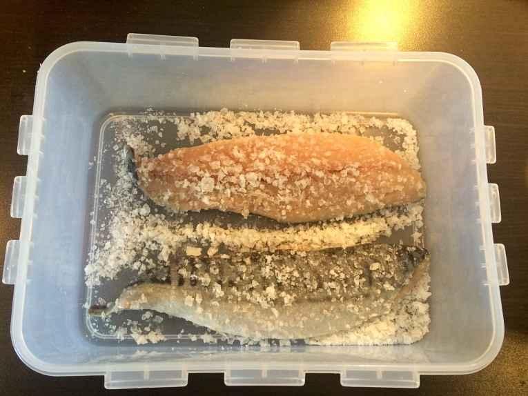 Cavalinha marinada no sal