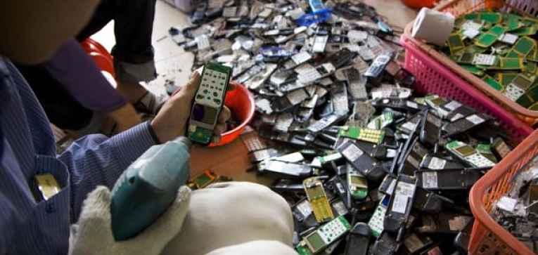 Desmontando celular
