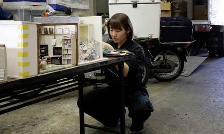Miyu Kojima trabalhando em miniatura