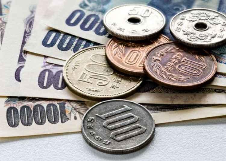 Dinheiro em notas e moedas