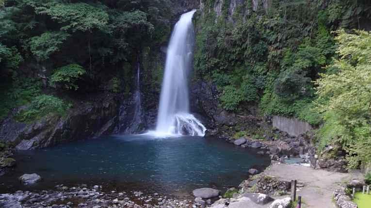 vista da cachoeira