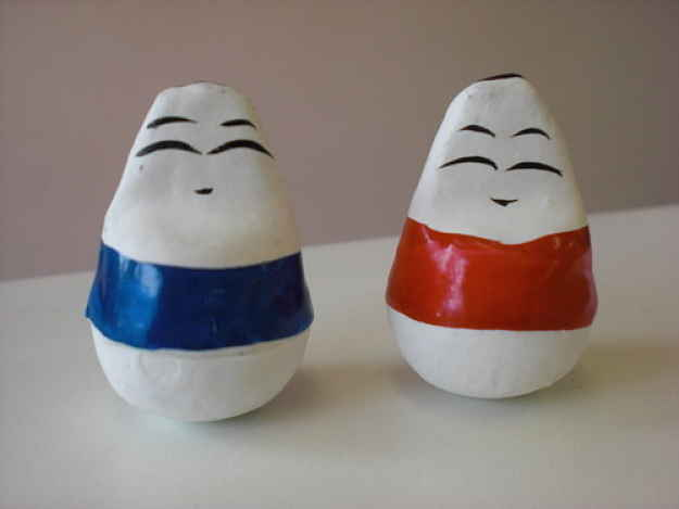 Dois bonecos de Aizu