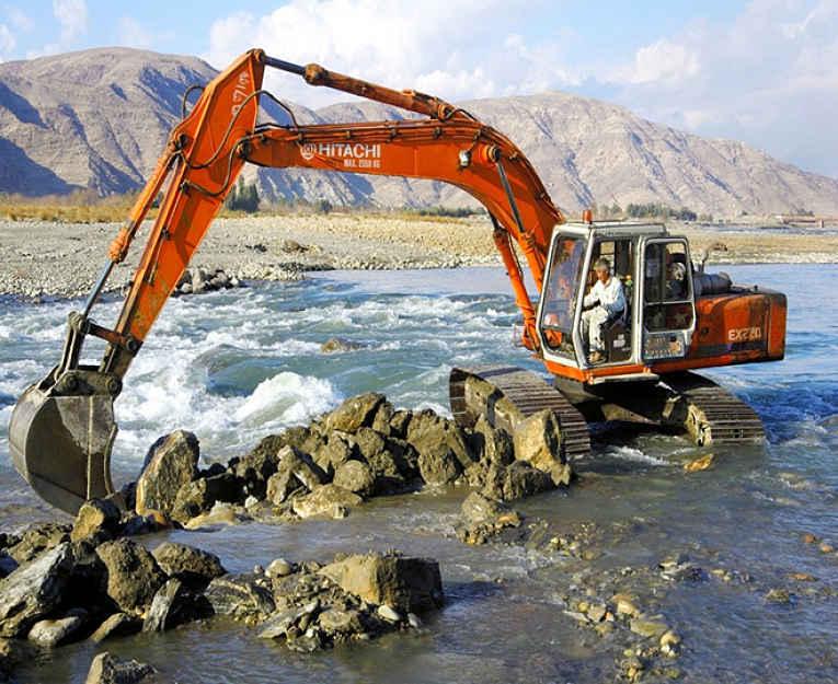 Escavando pedras